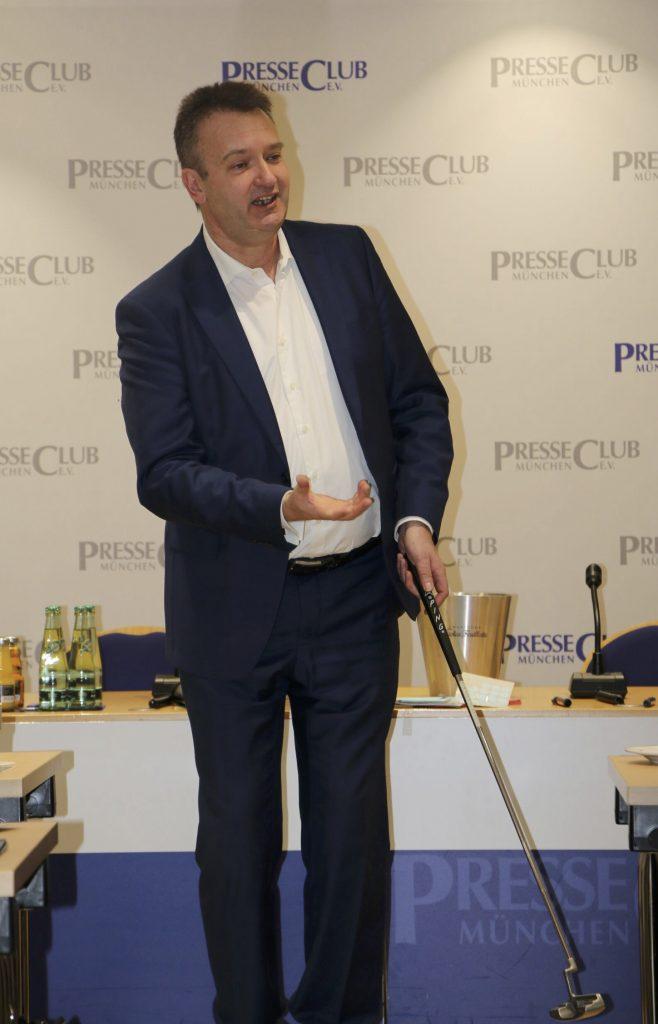 Joachim Skambraks als Redner bei der Regiionalgruppe der GSA